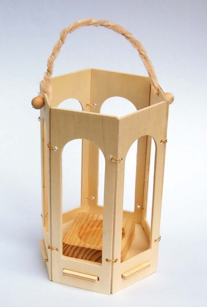 Holzlaterne Sechseck-Bausatz, Durchmesser 12 cm, Höhe 18,7 cm